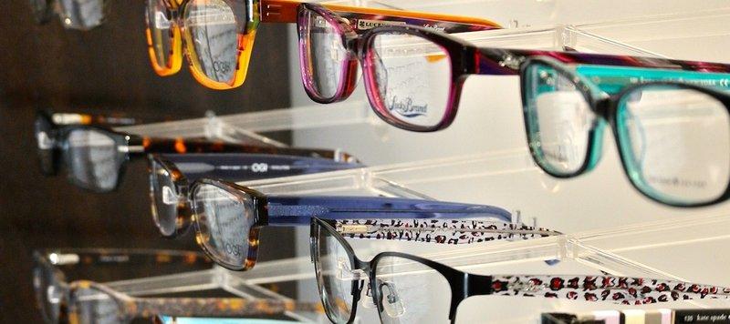 BellePlaineEyecare_Glasses-1170x521.jpg