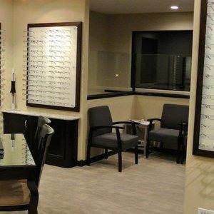 BellePlaineEyecare_Office2-1170x521.jpg